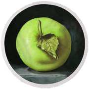 Green Apple With Leaf Round Beach Towel