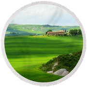 Green Escape In Tuscany Round Beach Towel