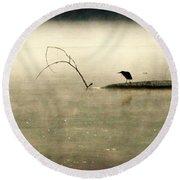 Green Heron In Dawn Mist Round Beach Towel
