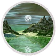 Green Lake Round Beach Towel