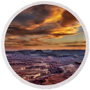 Green River Overlook At Sunset Round Beach Towel