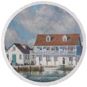 Green Turtle Cay Past And Present Round Beach Towel