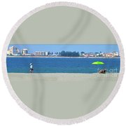 Green Umbrella Round Beach Towel