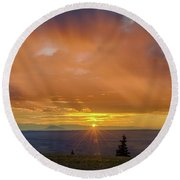 Greet The Marble View Morning Round Beach Towel