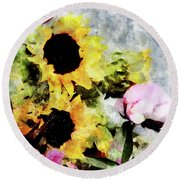 Greetings For A Sunny Day Round Beach Towel