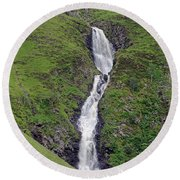 Grey Mare's Tail Round Beach Towel