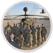 Group Photo Of U.s. Soldiers At Cob Round Beach Towel