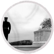 Guarding The Unknown Soldier Round Beach Towel