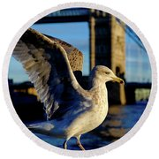 Gull At Tower Bridge Round Beach Towel
