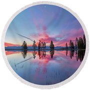 Gull Point At Sunrise Round Beach Towel