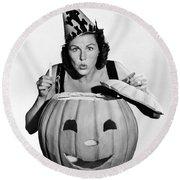 Halloween Woman And Pumpkin Round Beach Towel
