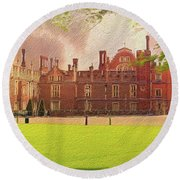 Hampton Court Palace Panorama Round Beach Towel