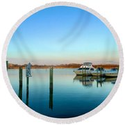 Hard Yacht Cafe Round Beach Towel