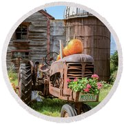 Harvest Time Vintage Farm With Pumpkins Round Beach Towel