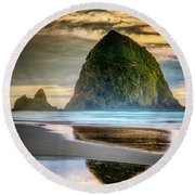 Haystack At Sunset Round Beach Towel