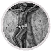 Hdr Crucifix In Black And White Round Beach Towel
