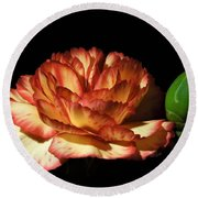 Heavenly Outlined Carnation Flower Round Beach Towel