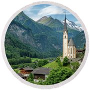 Heiligenblut Am Grossglockner Round Beach Towel