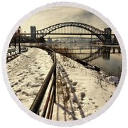 Hellgate Bridge In Winter Round Beach Towel