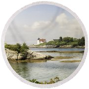 Hendricks Head Lighthouse Round Beach Towel