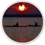 Heron And Kayakers Sunset Round Beach Towel