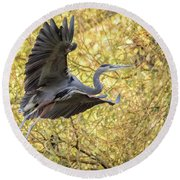 Heron In Flight Round Beach Towel