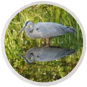 Heron's Reflection Round Beach Towel