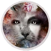 Hiding Catlady Round Beach Towel