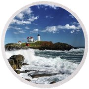 High Surf At Nubble Light Round Beach Towel
