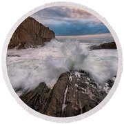 Round Beach Towel featuring the photograph High Tide At Bald Head Cliff by Rick Berk