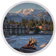 High Tide In The Bay Round Beach Towel
