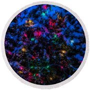 Holiday Lights In Snow Round Beach Towel
