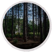 House In The Pines Round Beach Towel