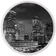 Houston By Night In Black And White Round Beach Towel