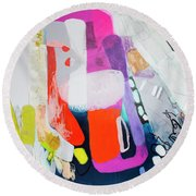 How Many Fingers? Round Beach Towel