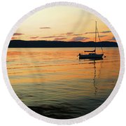 Hudson River From Irvington In Westchester County Round Beach Towel
