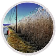 Hudson River Winter Walk Round Beach Towel