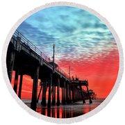 Huntington Beach Pier Sunset Round Beach Towel