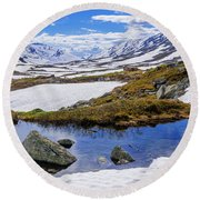 Hut In The Mountains Round Beach Towel