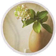 Hydrangea With Leaves Round Beach Towel