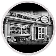 Ice Cream And Candy Shop At The Boardwalk - Jersey Shore Round Beach Towel