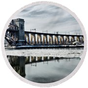 Ice Flows Under The Hellgate Round Beach Towel