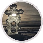 Round Beach Towel featuring the photograph Ice Sculpter by Scott Holmes