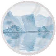 Iceberg In Disko Bay Greenland Round Beach Towel