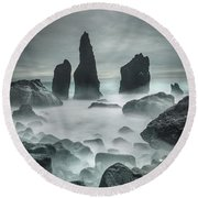 Icelandic Storm Beach And Sea Stacks. Round Beach Towel