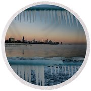 Icicles And Chicago Skyline Round Beach Towel