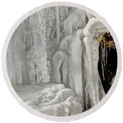 Icy Tendrils Round Beach Towel