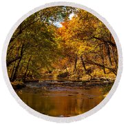 Indian Creek In Fall Color Round Beach Towel