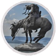 Indian Statue Infinity Pool Round Beach Towel