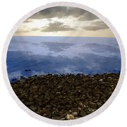 Into The Horizon  Round Beach Towel